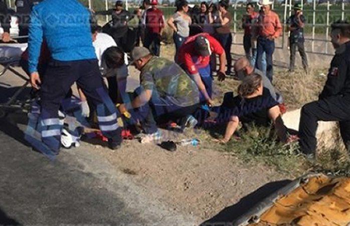Menor pierde el control de auto y cae a canal en Delicias