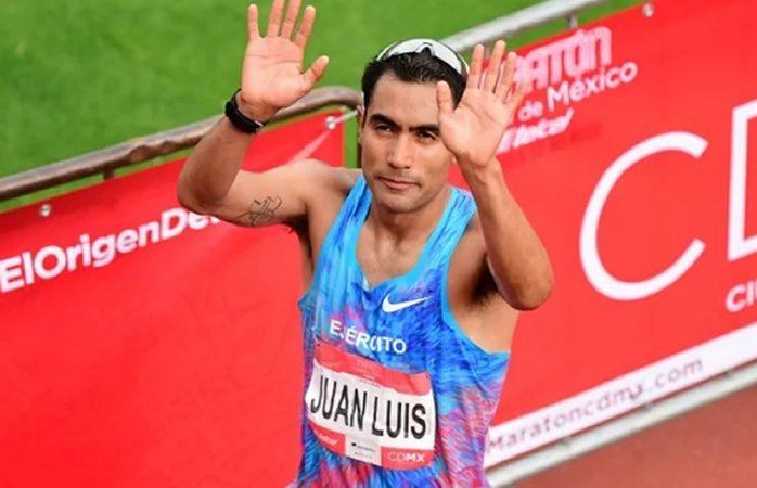 Gana corredor mexicano tercera posición en maratón en Los Ángeles
