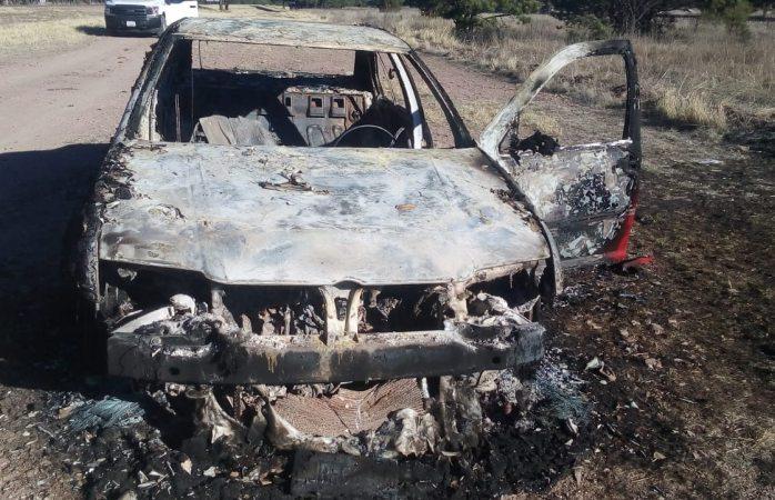 Hallan persona y auto calcinados en San Juanito