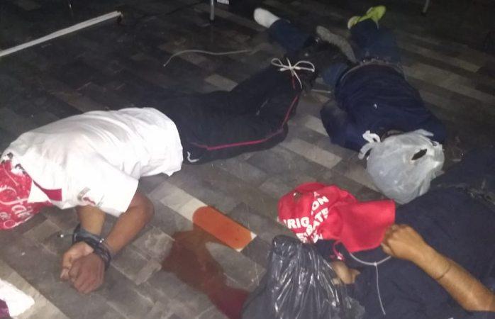 Asesinan a dos policías y velador en millonario robo en Villahermosa