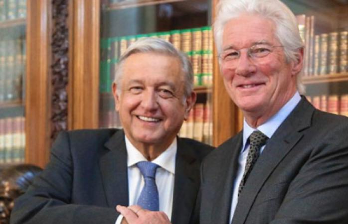 Encuentro entre López Obrador y Richard Gere en Palacio Nacional