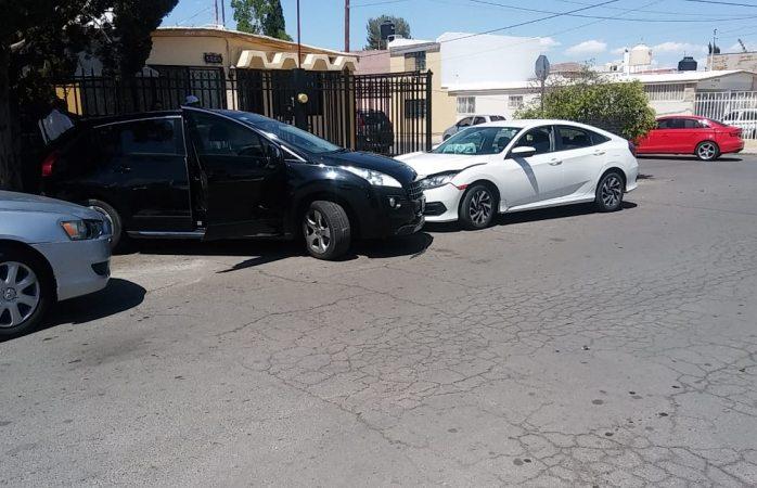 Chocan y lo impacta contra árbol en San Felipe