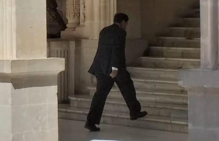 No asiste diputado a sesión pero andaba en palacio