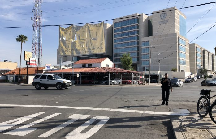 Cambian sentido vehicular en avenida Juárez