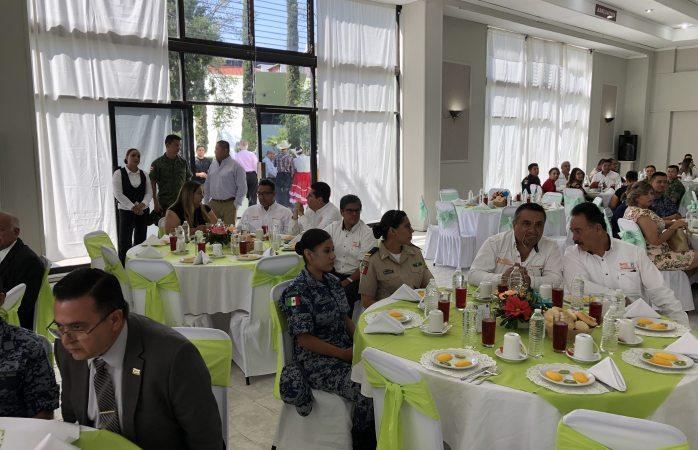 Celebra sedena a docentes