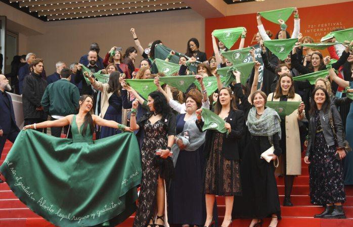 Protestan a favor del aborto en festival de Cannes