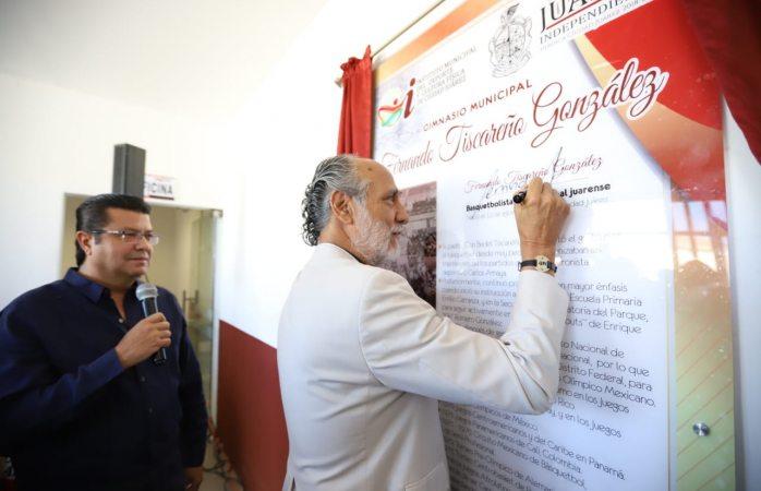 Nombra alcalde algimnasio municipal Fernando Tiscareño González