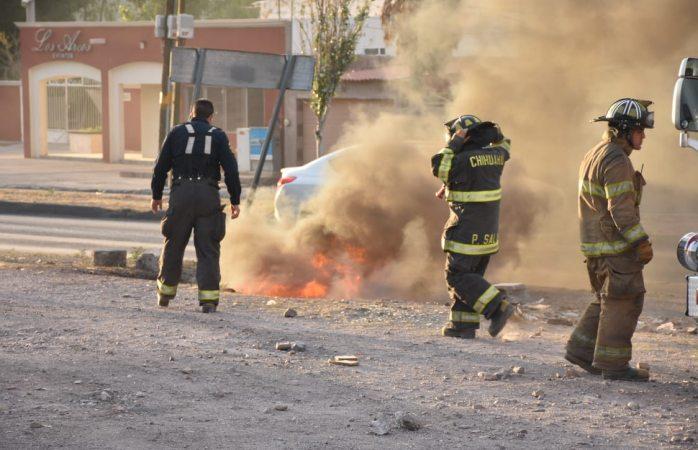 Moviliza a bomberos reporte de tubería de gas en llamas