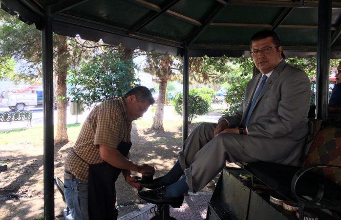Se bolea Cabada en plaza Hidalgo y anuncia inversión de 3 mmdp para Juárez
