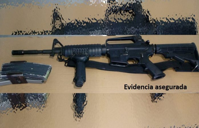 Tiraron fusil de asalto debajo de árbol en Cerro Grande