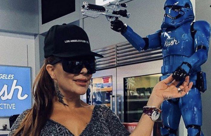 Cachan a Alejandra Guzmán comprando marihuana