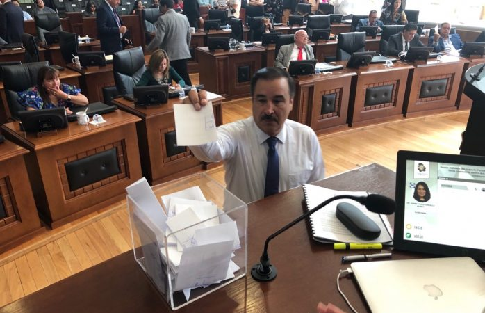 No pasa Mayra Arróniz cerco legislativo