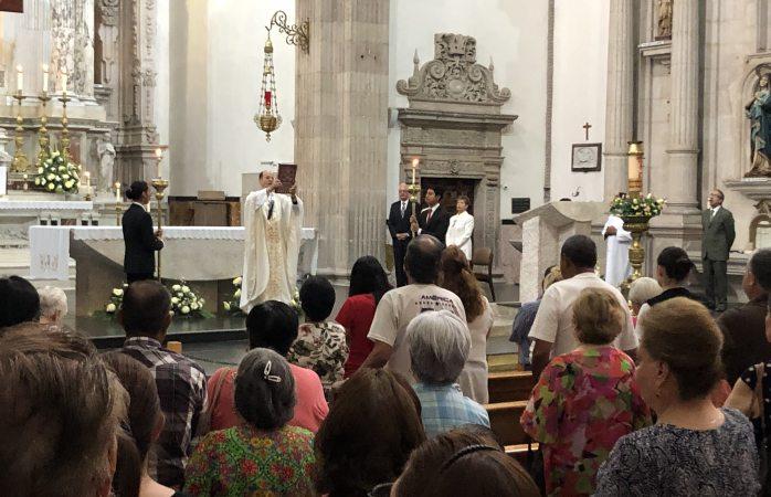 Invita iglesia católica a prepararse para pentecostés