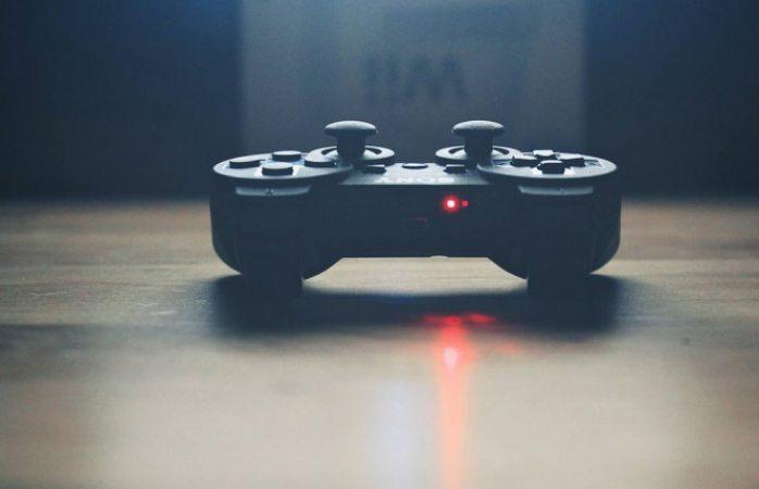 Adolescente muere tras desvelarse jugando videojuegos