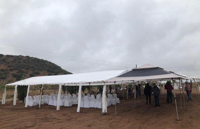 Preparan funeral de niños y mujer en colonia Lebarón