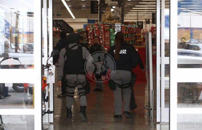 Otra amenaza de bomba en centro comercial de Juárez