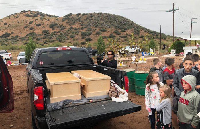 Asisten miles a funeral de rhonita lebaron e hijos