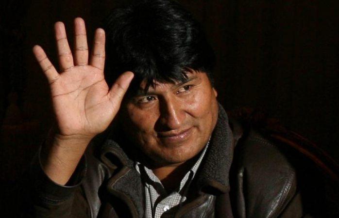 Evo Morales acepta oferta de asilo en México