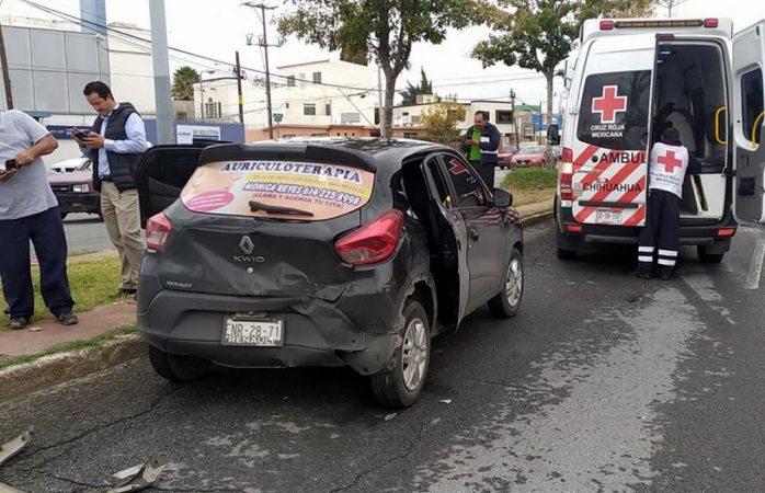 Choque deja dos heridos en la avenida tecnológico