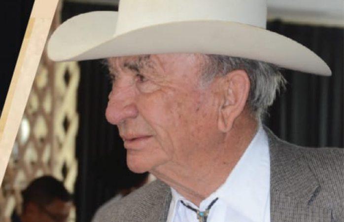 Fallecido en volcadura era el ganadero Eduardo Prieto Corral