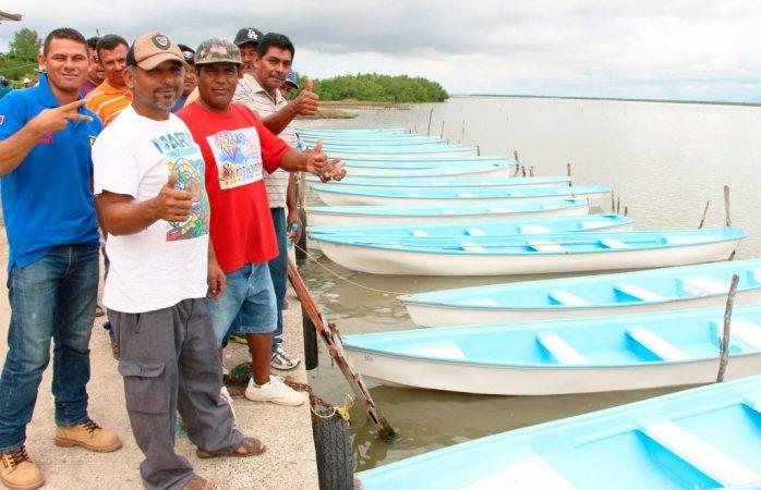 Pagan pescadores mil pesos semanales a cárteles