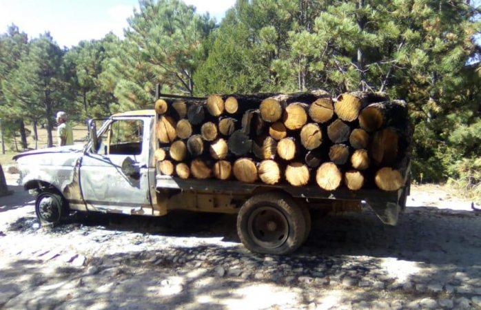 Localizan vehículo abandonado con daños por incendio en san juanito