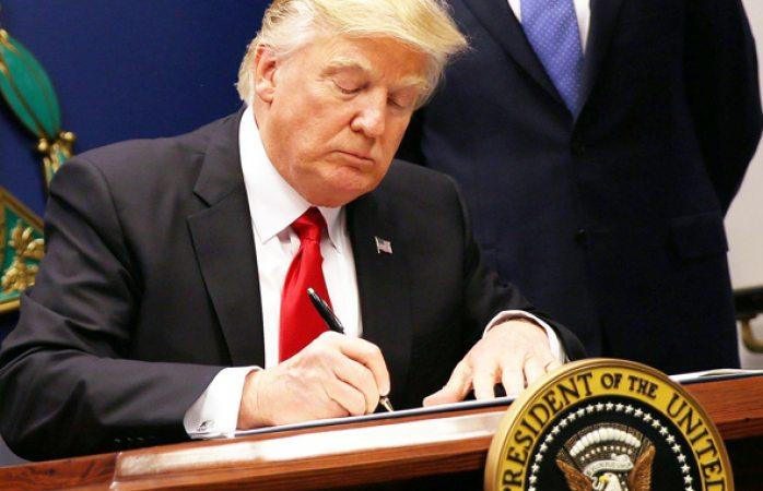 Trump pide no mostrar su declaración fiscal