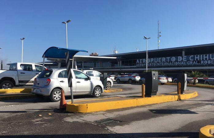 Aeropuerto analiza subir precio de estacionamiento