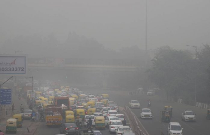 Severa contaminación ambiental asfixia la capital de india