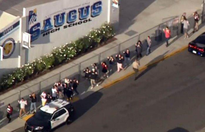 Siete heridos en tiroteo en escuela de California