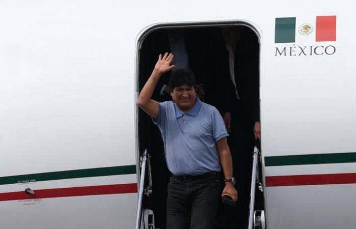 Piloto que rescató a Evo Morales será ascendido