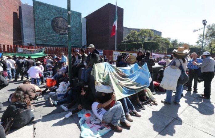 Atenderán demandas del campo diputados tras plantón en san lázaro