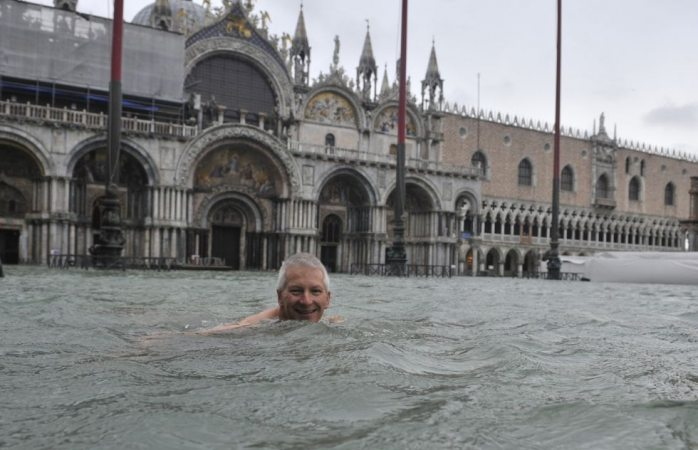 El agua sigue alta en venecia (FOTOS)