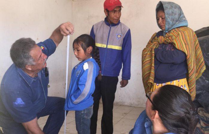 Llevan apoyos, médicos y registro civil a la comunidad de mesa de la palma