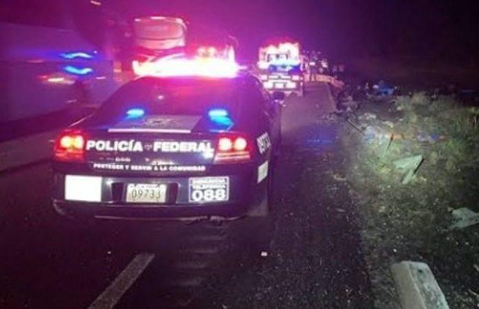 Volcadura deja un muerto y 4 heridos en la vía corta a parral