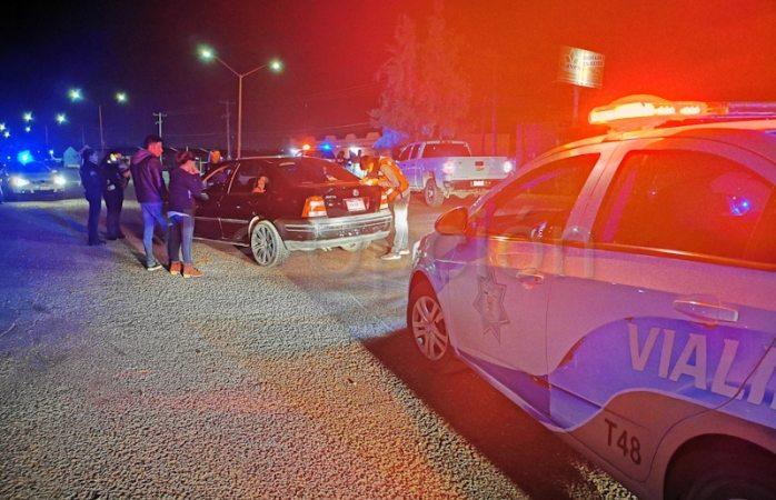 Aseguran 14 vehículos durante operativo alcoholimetro en delicias
