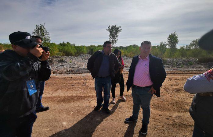 Recorre alcalde de Meoqui obras; responde a las acusaciones de regidores