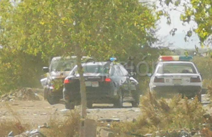 Policía Ecológica detiene a hombre por tirar escombro