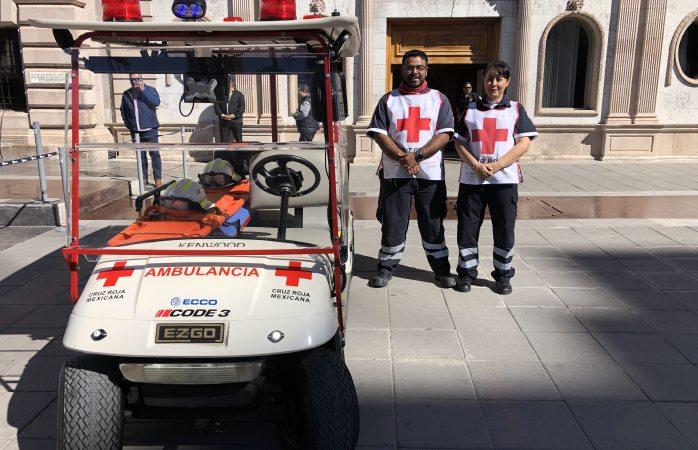 Habilitan carrito de golf como ambulancia para el centro