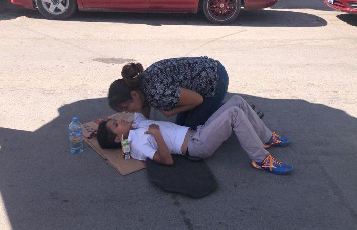 Auto atropella a niño de 8 años en la 2 de octubre