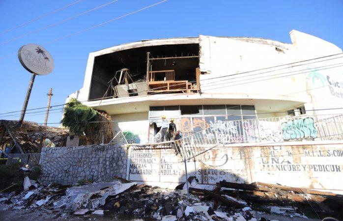 Colapsa techo de teatro de la anda en Juárez