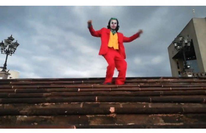 Se viraliza video de joven bailando como joker