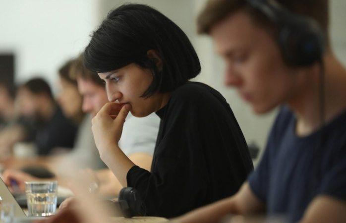 Ignorar a compañeros del trabajo reduce el estrés, revela estudio