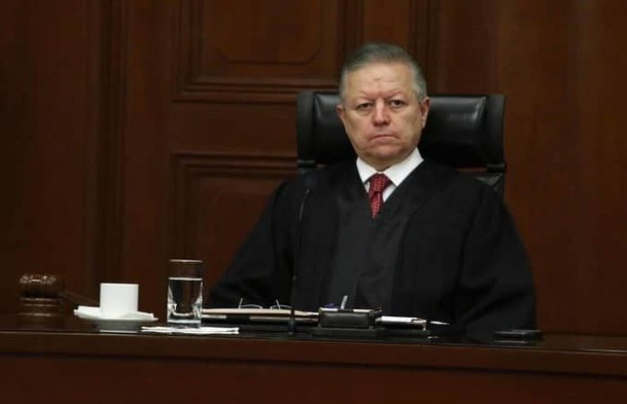 Suspenden a magistrado de circuito por presunta corrupción