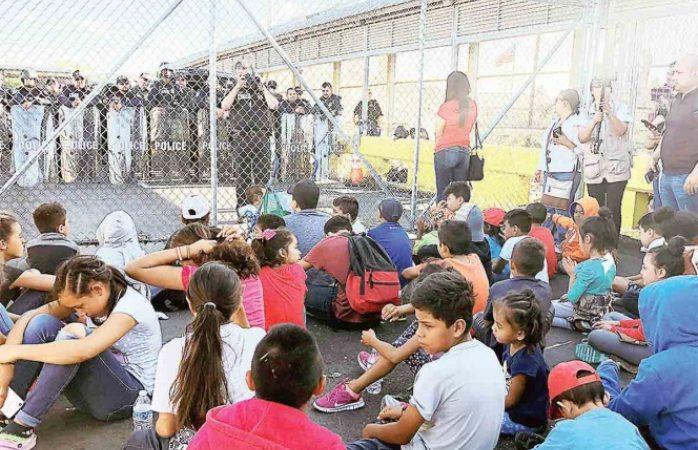 Migrantes se desesperan y toman acceso a EU