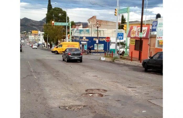 Se desmoronan calles en la avenida zaragoza