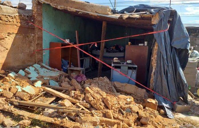 Piden apoyo para pareja cuya casa se derrumbó