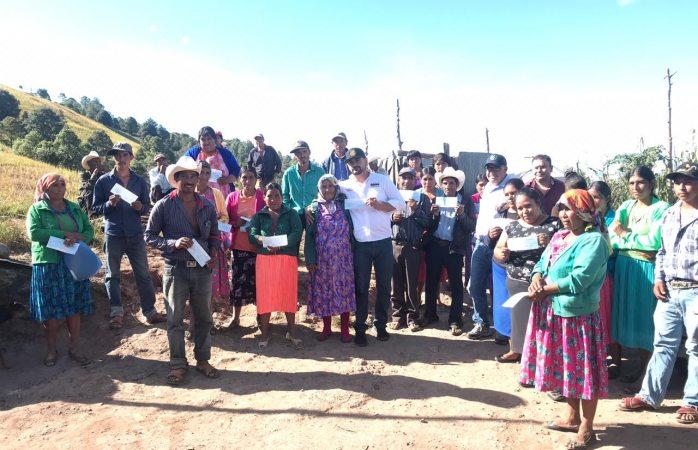 Entregan apoyos del seguro catastrófico agrícola en Baborigame