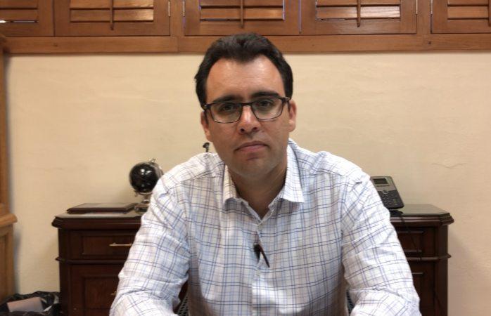 Renuncia Díaz Romero a la dirección de derecho