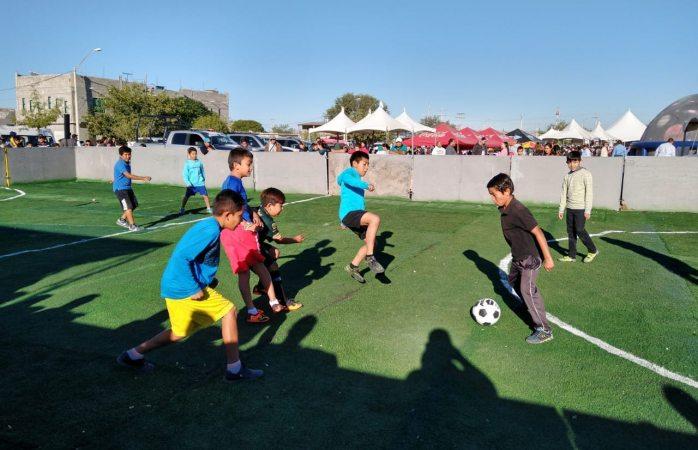 Torneo relámpago de fútbol rápido en feria de servicios municipales